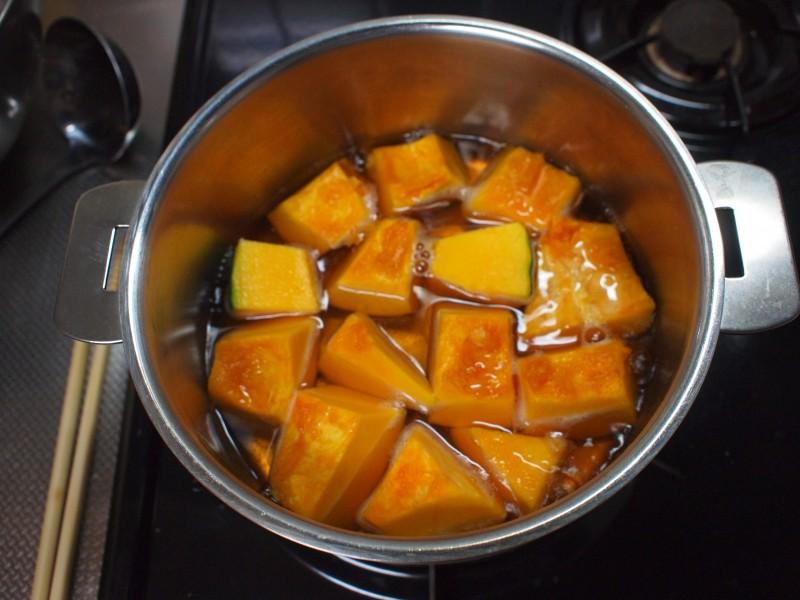 かぼちゃ煮る