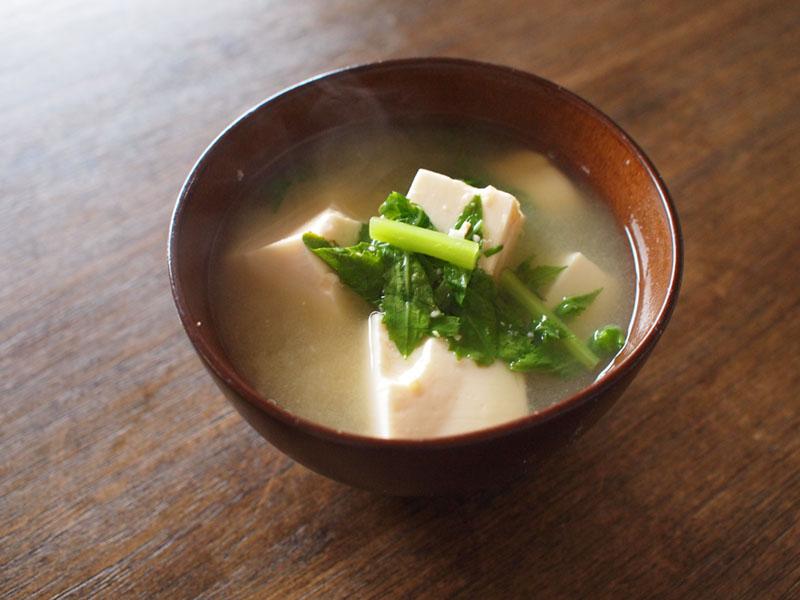 大根なと豆腐の味噌汁
